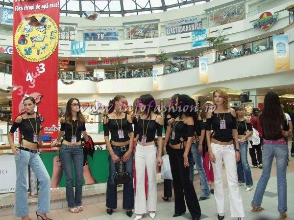 Comert 2004 Concurentele Model of the World Romania la Bucuresti Mall Vitan
