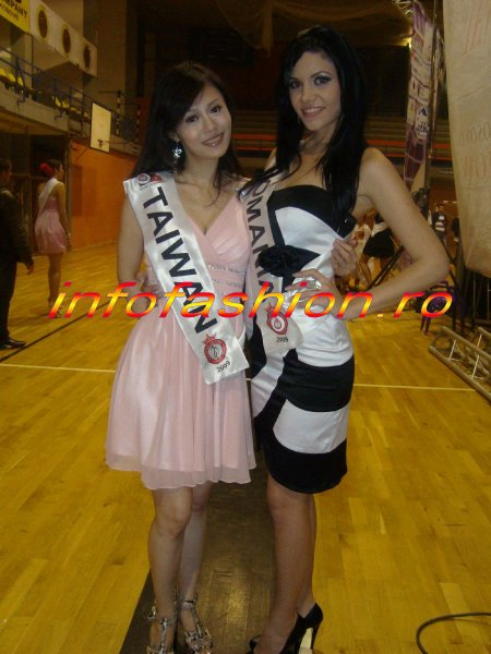 Alexandra Jitaru a reprezentat Romania la Miss Globe International Final 1 NOV. 2009
