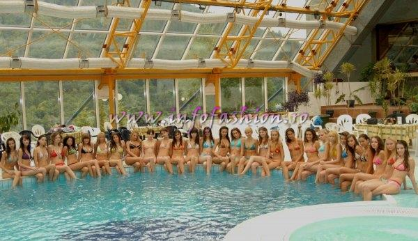 Hoteluri Mara Sinaia (Photo shooting la piscina), gazda pentru Miss Beauty and Fashion Festival Valea Prahovei 2005-2006