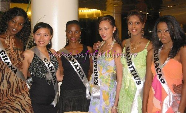 Bahamas_2006 Group Photos at Miss Intercontinental - Wyndham Nassau Resort (Photo:Oana Georgescu)