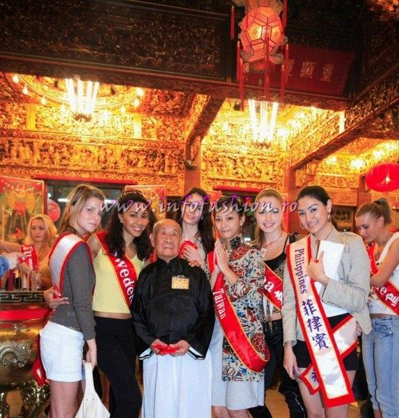 MTW 2006 Taiwan Tourist Attractions at Miss Bikini World-a