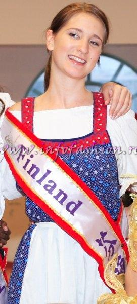Finland-Iida-Maria Tammi at Miss Bikini World 2006 in Taiwan