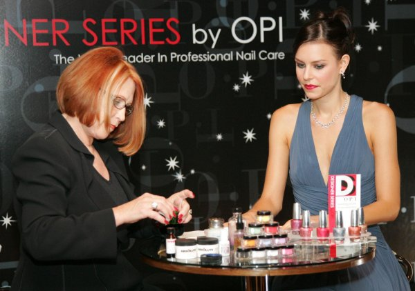 Manichiura_OPI Joey Brown, Top Corporate Trainer, va invita sa aflati tendinte, noutati THE AUSTRALIA COLLECTION