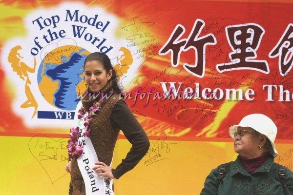 Poland_2007 Joanna Kryspin at Top Model Of The World in China, Kunming, Yunnan (WBO)
