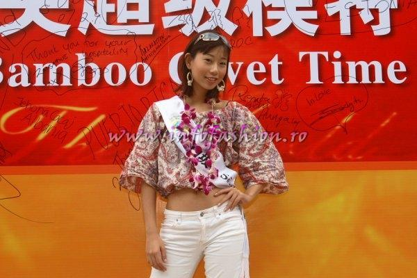 Singapore_2007 Xiaoqi Low at Top Model Of The World in China, Kunming, Yunnan (WBO)