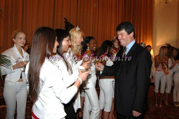 Official visit at Mr. Bamir Topi, the president of Albania for Miss Globe International 2007