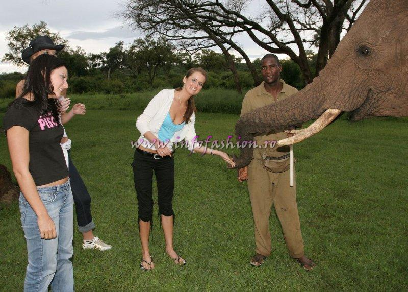 2005-Safari at Miss Tourism World Zimbabwe (Photo: Frank Thompson)