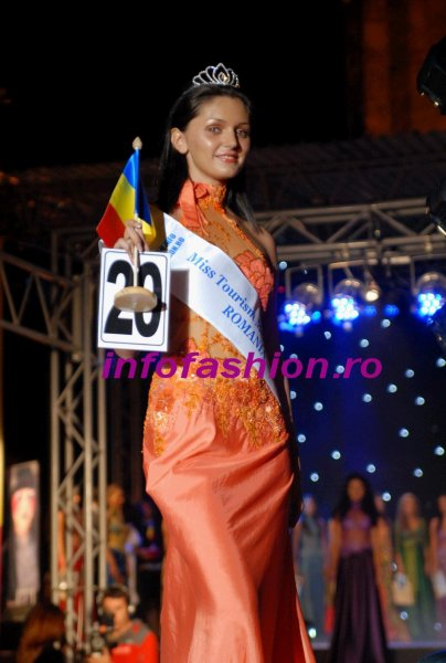 Alina Mirt, BUCURESTI, va reprezenta Romania in Malaezia la MISS TOURISM INTERNATIONAL 12 DEC. 2009- 2 IAN. 2010