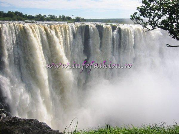 Zimbabwe Victoria Falls Photos at Miss Tourism World 2005 (Powered Infofashion Platinum Agency Romania)