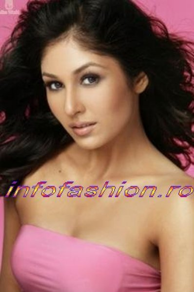 India_2009 Pooja CHOPRA at Miss World in South Africa