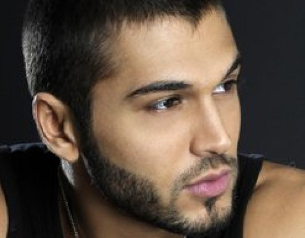 Lebanon_2010 Abdel BALAA in TOP 5 at Mister World in Korea
