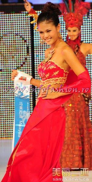 Malaysia_2010 Veronica Ling Hsih Lin, 3rd Summer Lady & 2nd ru Miss Charm at 35th Miss Bikini International In Sanya