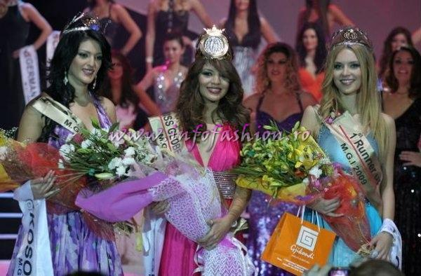 Albania_2009 Miss Globe International / Romania, Alexandra Jitaru at 36th Ed /Infofashion Platinum Ag
