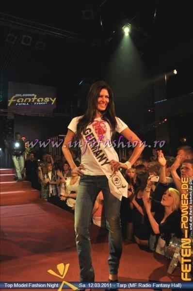 Germany 2011 Leslie Braumann Fashion Show in Fantasy Music Hall in Tarp Foto WBO