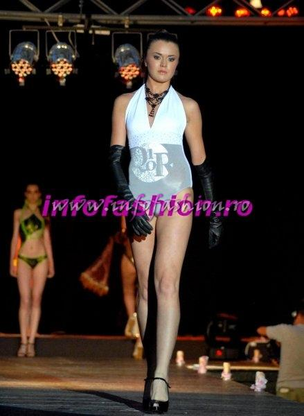 Finalele Nationale Miss Globe Intl, Miss Supranational Si Miss Intercontinental Infofashion Romania, colectia prezentata da Catalin Botezatu in Malta la World Bikini Model Intl. 2009