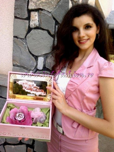 Cristina David 2012 a sutinut disertatia pentru Master `Savoarea Rozelor` InfoFASHION Platinum Ag o felicita pe a 10-a sa castigatoare a unui Titlu International Winner Miss All Nations in China 2011