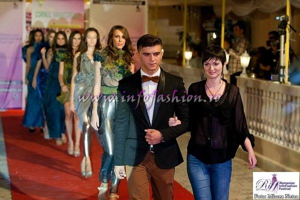 Laura Violeta Serban designer la Romanian Infofashion Festival Spirit of Beauty by www.infofashion.ro Colectia `Trough the Surface`
