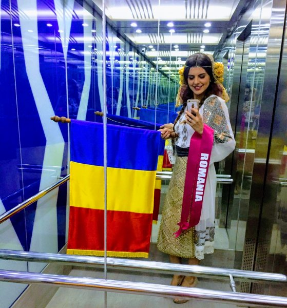 Winner2 of Mrs Tourism World Peace 2017 Romania Laura Coltea
