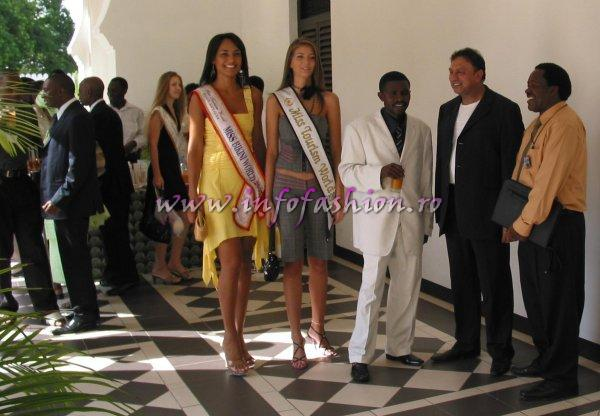 Alina_Ciorogariu 2006 and people behind the stage at Model of the World in Tanzania /For Romania InfoFashion Platinum Ag.