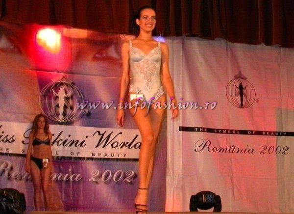 L_&_ Designeri Lenjerie /Lingerie Mess Fashion la Miss Bikini World Romania in Busteni 2002 Infofashion. De aici au plecat in Malta- Mihaela Tudor, Nicoleta Motei, Stefana Dragoeas